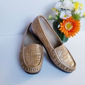 SAS Tripad Comfort Loafer Snake Skin Print Sz 8W